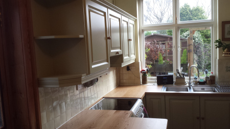 Painting kitchen cabinets Beds Bucks Herts Northamptonshire