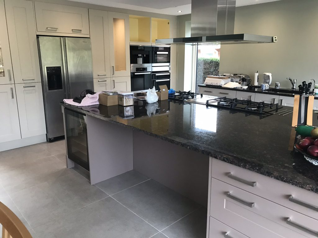Kitchen cabinet painter Aspley Guise Woburn Bedfordshire Milton Keynes