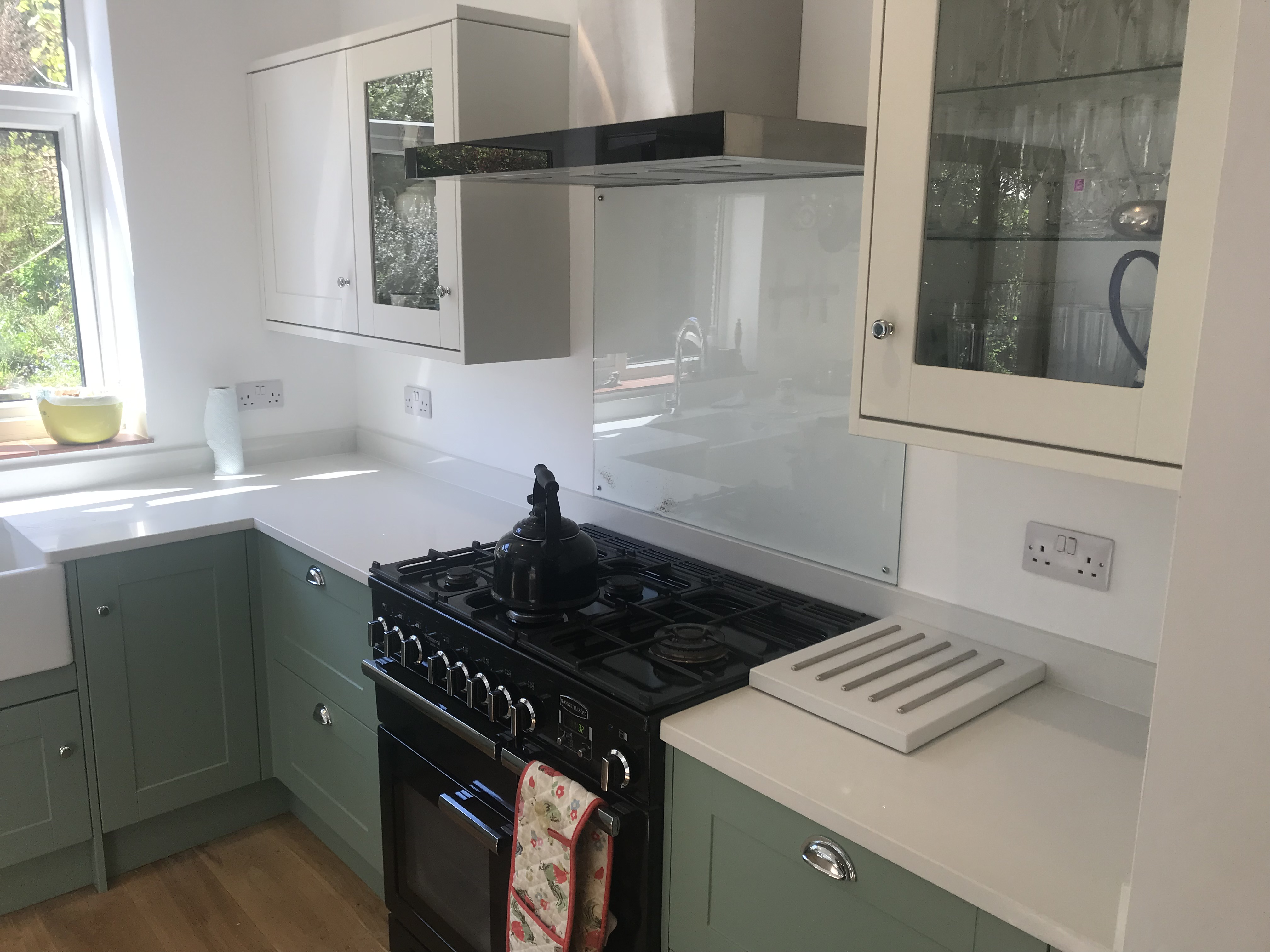 Howdens Paintable Kitchens Berkhamsted Hertfordshire Kitchen Cabinet Painter